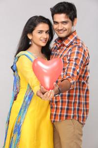 Urmi & Vasu - Pasant Aahe Mulgi Zee Marathi Serial