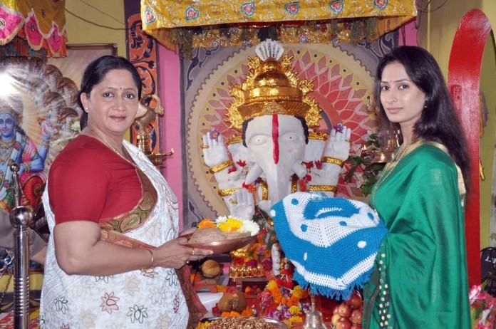 Vighnaharta Mahaganpati - Alka Kubal & Priya Marathe