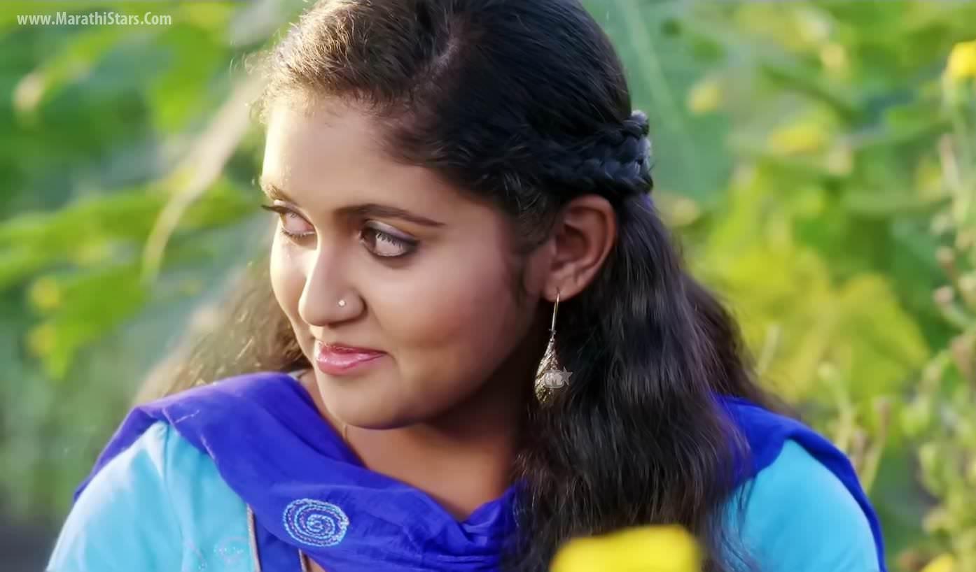Rajguru+Photo Rinku Rajguru Sairat Movie Actress Photos Biography ...