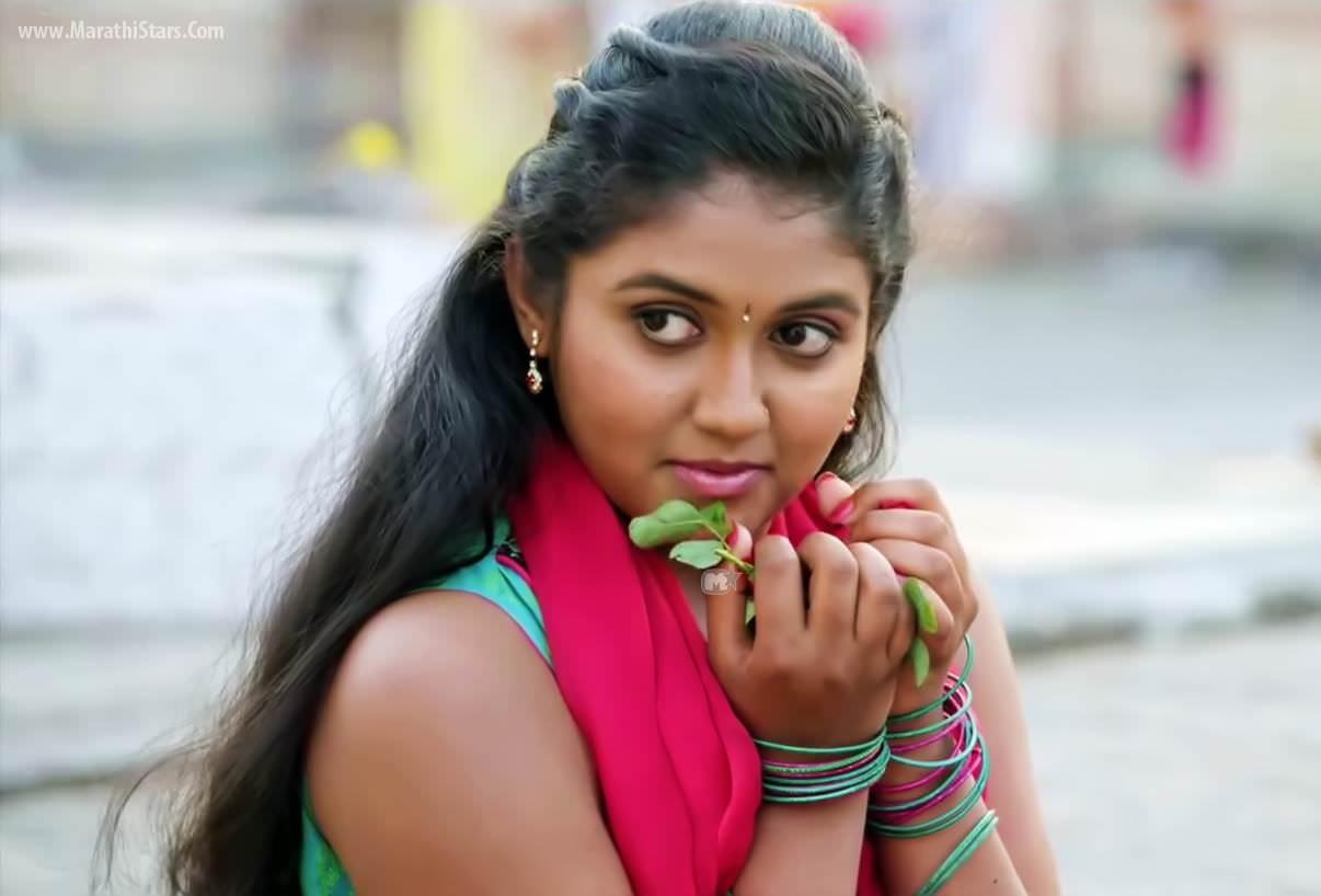 Rinku Rajguru Sairat Movie Actress Photos Biography Images -9915
