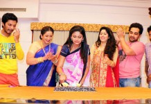Siddhi receives a surprise from Team Devyani