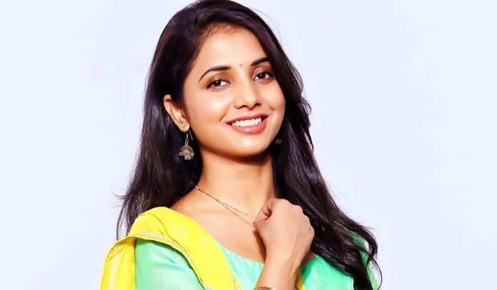 Sayali Sanjeev Marathi Actress Photos Bio Wiki