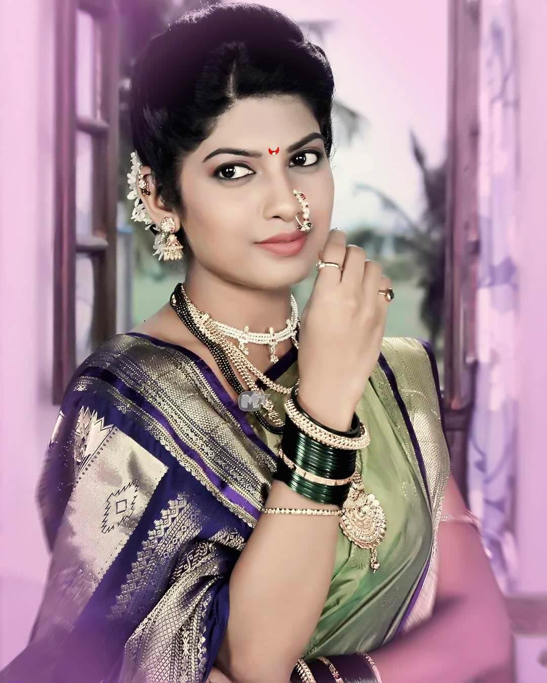 Dhanashri Kadgaonkar Marathi Actress Photos,Biography