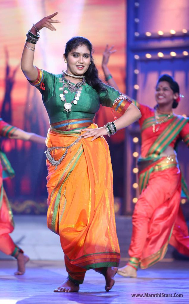 Rinku Rajguru Performance On Marathi Song
