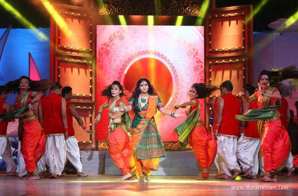 Sairat Fame Aarchi Rinku Rajguru Dance