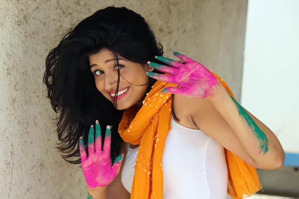 Rasika Sunil Dhabadgaonkar Marathi Actress Photos Bio Wiki Sharanya Majhya Navryachi Bayko-9703