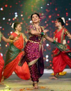 Sonalee Kulkarni - Yad Lagla Zee talkies