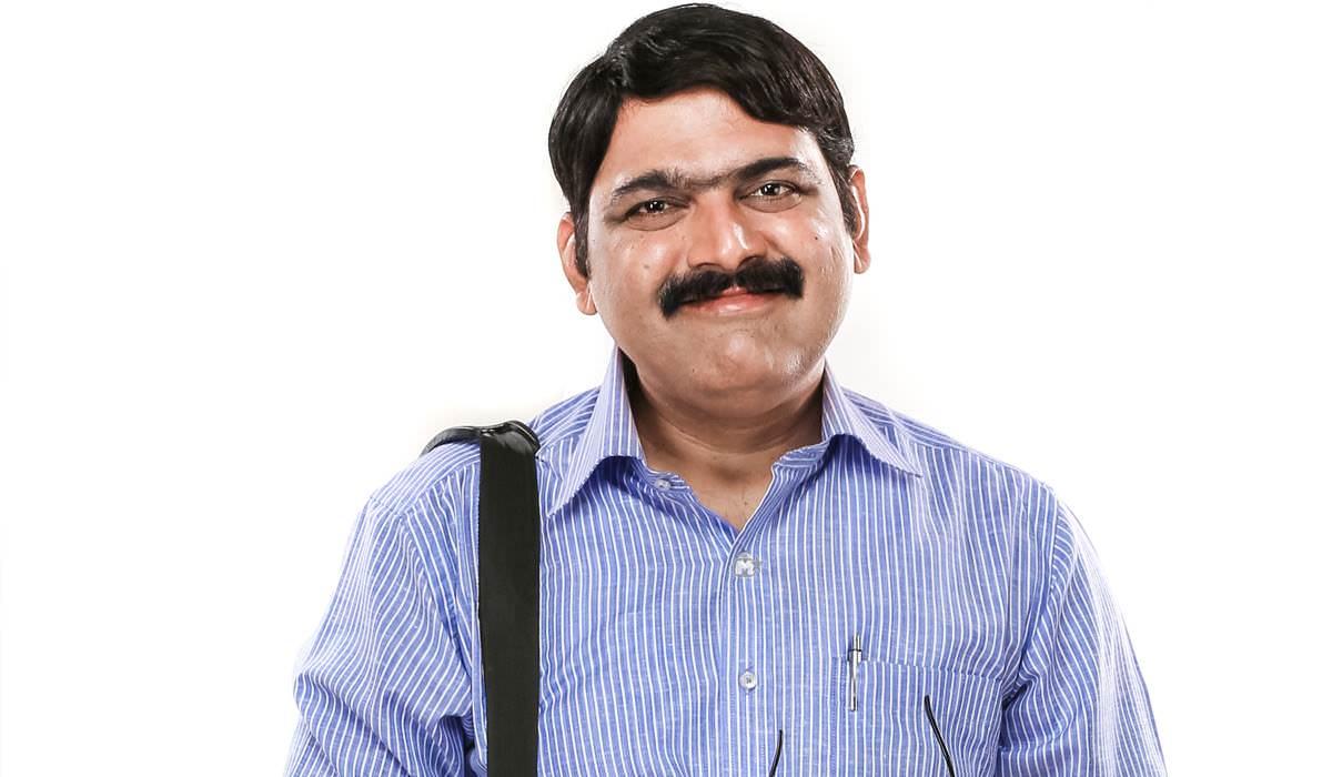 Makarand Anaspure Photo Nagpur Adhiveshan Movie
