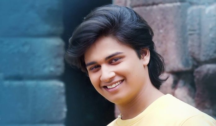 Abhinay Berde Marathi Actor Abhinay Berde Biography Photos Images Wiki birthdate age hight Wallpapers Laxmikant Berde Son name Lakshya Ti Saddhya Kay Karte