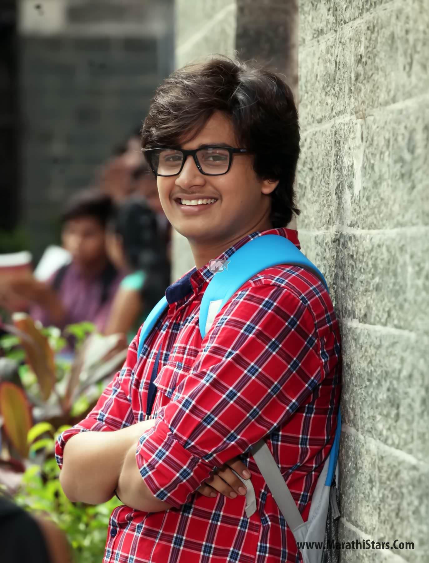 Abhinay Berde Marathi Actor Laxmikant Berde Photos Bio ...