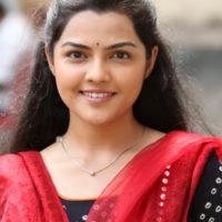 Aarya Ambekar Ti Saddhya Kay Karte Movie Photos