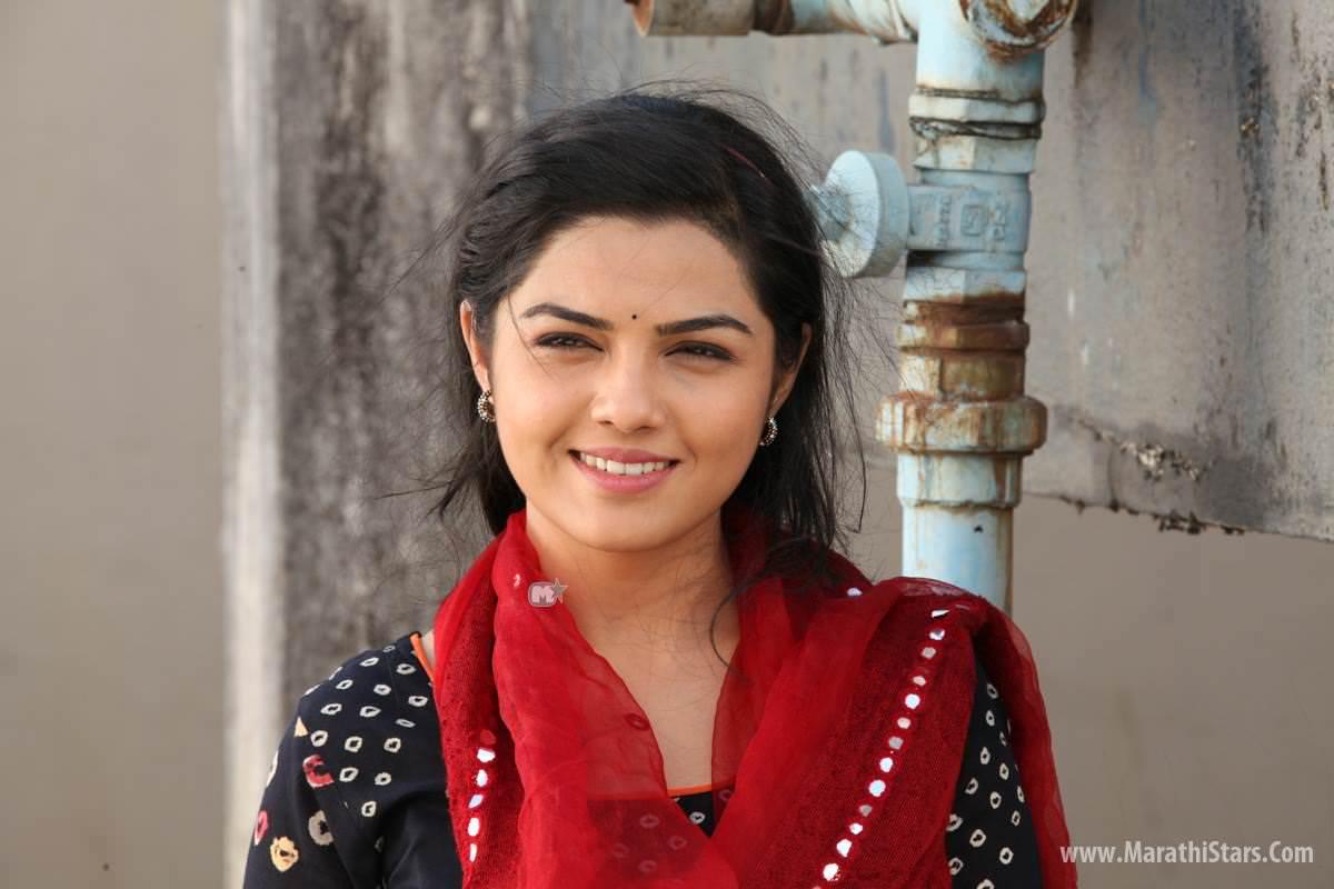 Marathi Actors Photos, Wallpapers, Biodata, Images