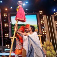 Amir Khan celebrates Gudhipadwa