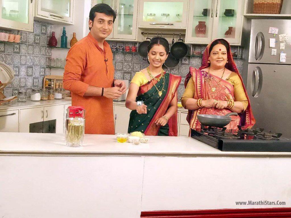 Gauri and Sasu in Khavaiyye giri