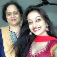 Manasi Naik With Her Mother