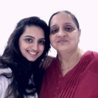 Marathi Actress Shruti marathe with mother