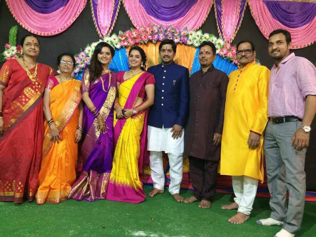 Sangram Salvi & Khushboo Tawde Engagement photos
