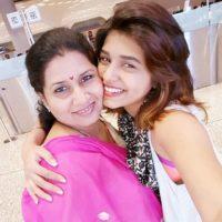Sanskruti balgude With Her Mother