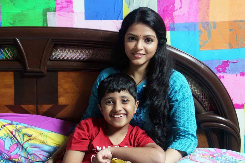 Deepa Chaudhari & Atharva Bedekar - Andya Cha Funda Still