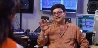 Sachin turns a poet for Ti Aani Itar