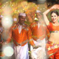 Sunny Leone in marathi look Dress Saree