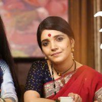 Aamhi Doghi Marathi Movie Priya Bapat Mukta Barve