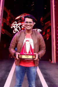 Aniruddha Joshi Sur Nava Dhyas Winner