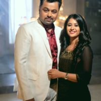 Isha & Vikrant Saranjame - Tula Pahate Re