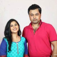 Subodh Bhave & Gayatri Datar - Tula Pahate Re