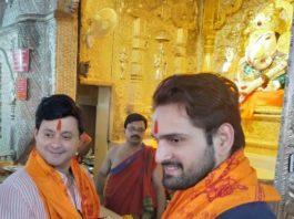 Swapnil Joshi & Siddharth Chandekar Visit Dagdusheth Ganpati to take Blessings for Jivlaga