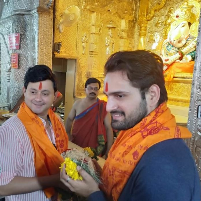 Swapnil Joshi & Siddharth Chandekar Visit Dagdusheth Ganpati to take Blessings for Jivlaga