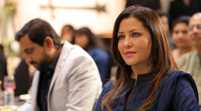 Aditi Govitrikar - Smile Please