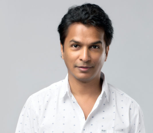 Vikram Phadnis - Smile Please