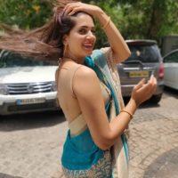 Sarita Mehendale Joshi Kadak Look