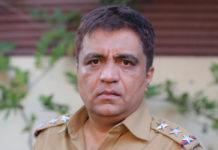 Swanand Kirkire Marathi Actor in Girlz Movie